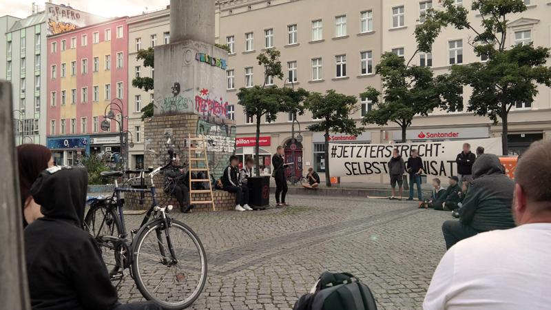 #JETZTERSTRECHT: Selbstorganisation! Bericht zur Kundgebung am auf dem Hermannplatz